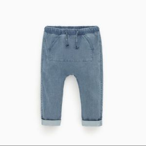 Relaxed-fit jeans with pouch pocket